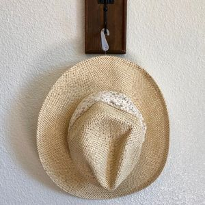 Forever 21 Short Brim Sun Hat ☀️
